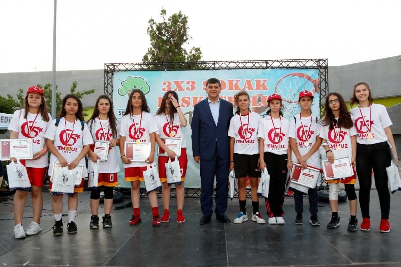 15 Temmuz 3x3 Sokak Basketbolu Şampiyonası Coşkuyla Tamamlandı