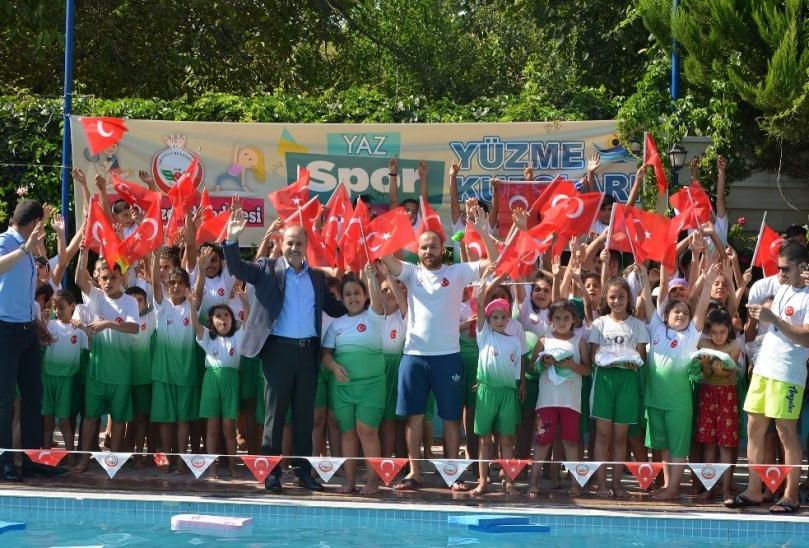 Belediye Başkanı Kılıç, yüzme kursunu ziyaret etti