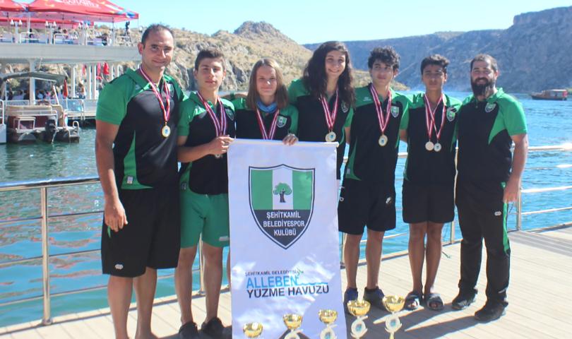 Rumkale'nin Sularından 6 Madalya Çıkarttılar