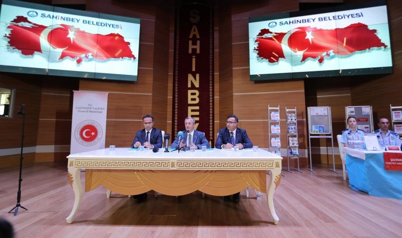 Şahinbey Belediyesi hem denetliyor hem de bilgilendiriyor