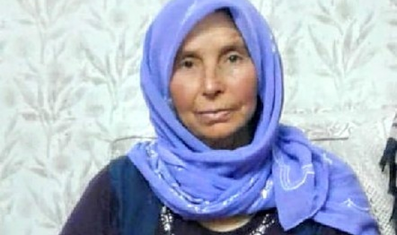 Kamyonetin Altında Kalan 8 Çocuk Annesi Hayatını Kaybetti