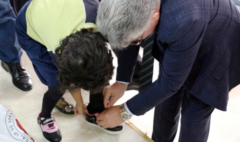 NTO'dan Öğrencilere Ayakkabı Yardımı