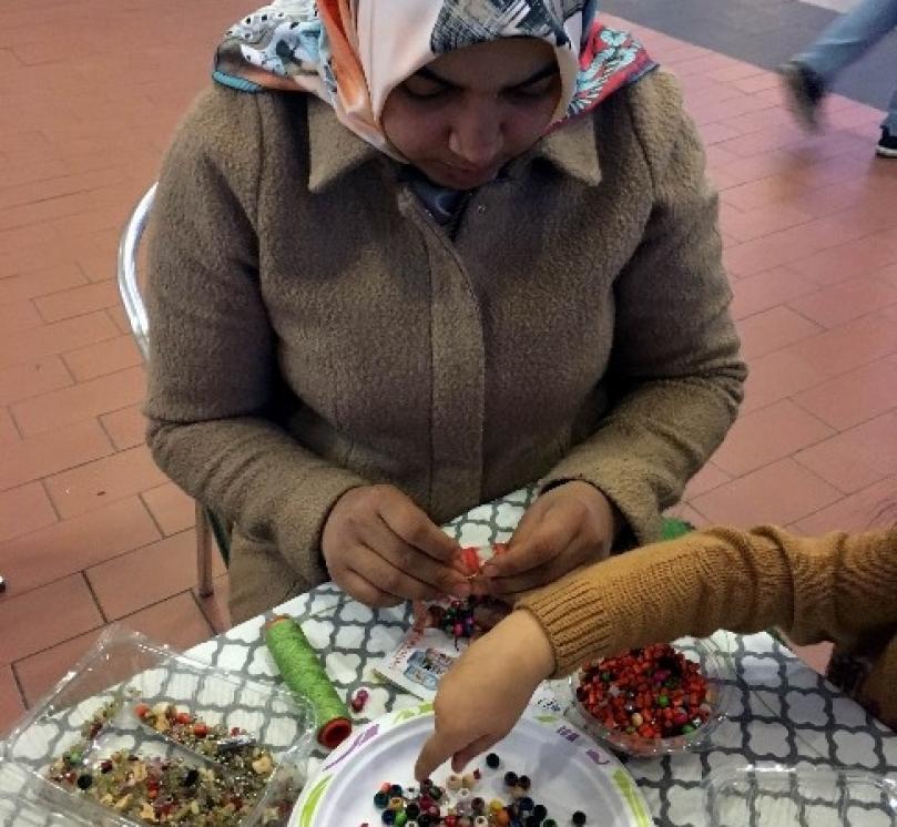 Gaziantepli kadınlardan renkli bileklikler