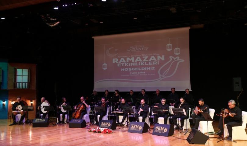 """Mavera Türk Müziği Topluluğu """"Fasıldan Dua'ya"""" Konseri Verdi"""