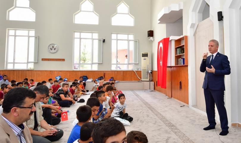 """Vali Gül, """"Milli ve manevi değerlerin küçük yaşlarda öğrenilmesi önemli"""""""