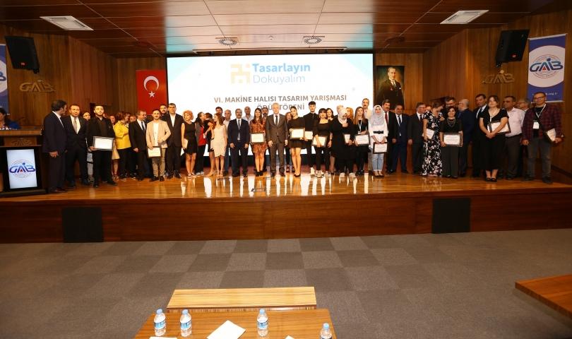 Halı Tasarım Yarışması Finalinde Tasarımcılara Ödül Yağdı