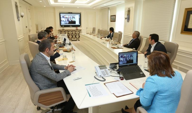 Şahin, ilçe belediye başkanlarıyla telekonferans'ta buluştu