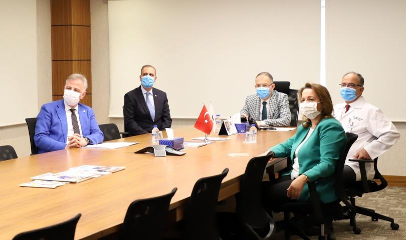 Türkiye imzalı aşı ve ilaç çalışmalarında başarı beklentisi