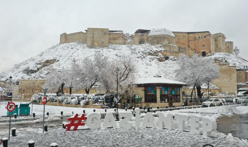 Beklenen kar yağışı şehre 'merhaba' dedi