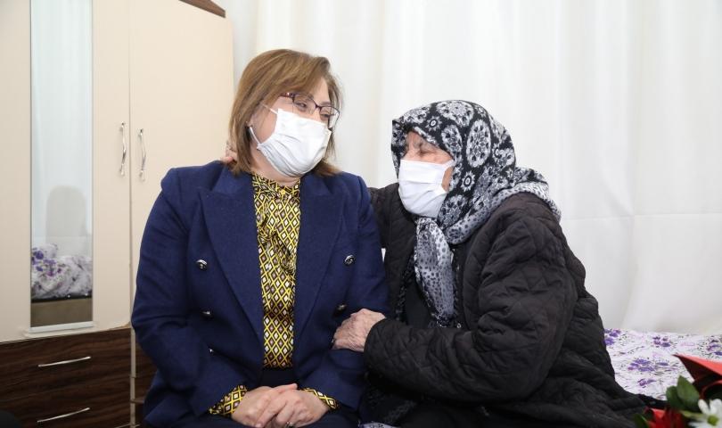 Görme engelli anne Cennet Çelik'in evi tepeden tırnağa yenilendi