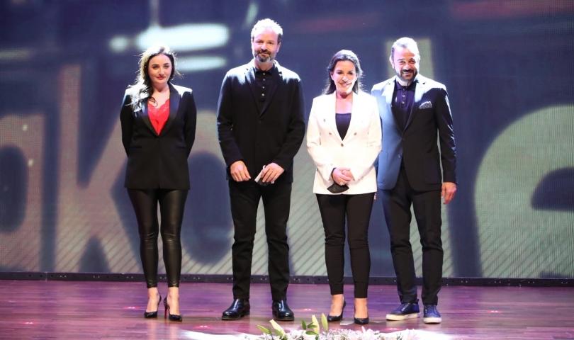 Geleceğin yönetmenlerine ödülleri ünlü isimler verdi