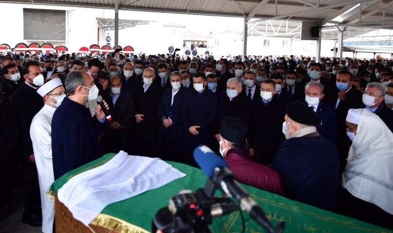 Bakan Abdulhamit Gül'ün annesi Saliha Gül, Gaziantep'te son yolculuğuna uğurlandı