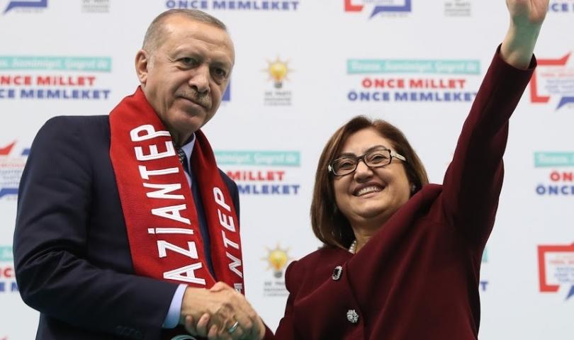 Cumhurbaşkanı Erdoğan, Başkan Şahin'in projelerini övgüyle örnek gösterdi
