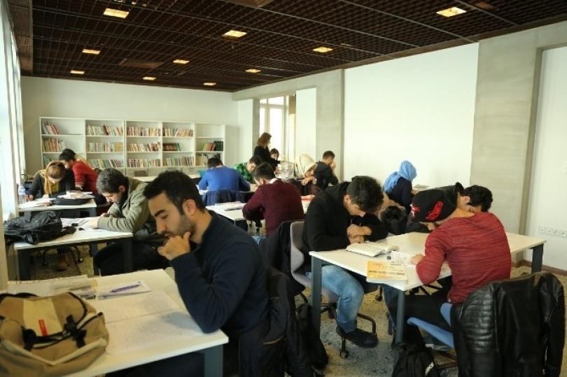 Sanat Merkezi Kütüphanesi açıldı