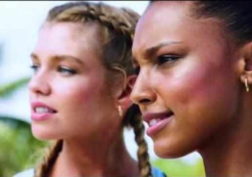 Victoria's Secret Meleklerinin Lip SYNC Videoları Nefes Kesti